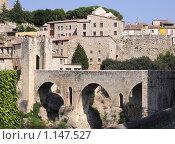 Древний каталонский город Бесалоу (2009 год). Стоковое фото, фотограф Инна Додица / Фотобанк Лори