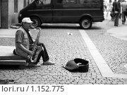 Купить «Уличный музыкант», фото № 1152775, снято 12 июля 2009 г. (c) Полина Бублик / Фотобанк Лори