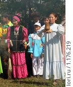 Купить «Женщины Саха (Якутки) в национальных нарядах на празднике Ысыах», фото № 1176219, снято 29 июня 2007 г. (c) Алена Потапова / Фотобанк Лори