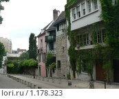 Купить «Париж. Улица Монмартра», фото № 1178323, снято 11 июня 2008 г. (c) Наталия Журавлёва / Фотобанк Лори