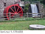 Купить «Водяная мельница», фото № 1179659, снято 13 августа 2009 г. (c) Тимофей Косачев / Фотобанк Лори