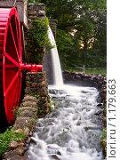 Купить «Водяная мельница», фото № 1179663, снято 13 августа 2009 г. (c) Тимофей Косачев / Фотобанк Лори