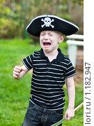 Купить «Мальчик в пиратской шляпе плачет», фото № 1182947, снято 20 сентября 2009 г. (c) Кузнецова Юлия (aka Syaochka) / Фотобанк Лори