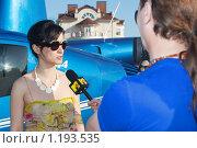 Купить «Тина Канделаки дает интервью телеканалу MTV», фото № 1193535, снято 19 августа 2018 г. (c) Зубко Юрий / Фотобанк Лори