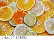Цитрусовые фрукты, нарезанные в ассортименте. Стоковое фото, фотограф Александр Климов / Фотобанк Лори