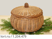 Большая плетеная шкатулка. Стоковое фото, фотограф Качанов Владимир / Фотобанк Лори