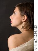 Купить «Молодая девушка», фото № 1214423, снято 12 ноября 2009 г. (c) Egorius / Фотобанк Лори