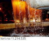 Фонтан в свете ночных фонарей (2009 год). Редакционное фото, фотограф Ваганова Марина / Фотобанк Лори