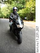 Купить «Мотоциклист», фото № 1231267, снято 9 сентября 2009 г. (c) Losevsky Pavel / Фотобанк Лори