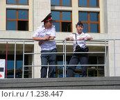Купить «Москва. Манежная площадь. Милиционеры», эксклюзивное фото № 1238447, снято 12 июня 2009 г. (c) lana1501 / Фотобанк Лори
