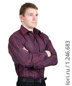Купить «Мужчина, стоящий в профиль со скрещенными руками», фото № 1246683, снято 28 апреля 2009 г. (c) Александр Кузовлев / Фотобанк Лори