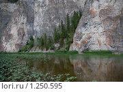 Купить «Скала Мамбет. Река Зилим. Башкирия. Южный Урал», фото № 1250595, снято 22 июля 2008 г. (c) хлебников алексей / Фотобанк Лори