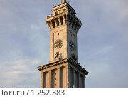 Купить «Башня с часами на здании Северного речного вокзала», фото № 1252383, снято 15 июля 2007 г. (c) Елена Ильина / Фотобанк Лори