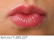 Купить «Женские губы», фото № 1265227, снято 22 марта 2008 г. (c) Валентин Мосичев / Фотобанк Лори