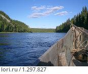 Вид из деревянной лодки на берега реки. Стоковое фото, фотограф Вера Попова / Фотобанк Лори