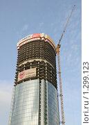 """Купить «Строительство бизнес-центра """"Высоцкий"""" в Екатеринбурге», эксклюзивное фото № 1299123, снято 7 сентября 2008 г. (c) Wanda / Фотобанк Лори"""