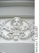 Купить «Елагин дворец. Барельеф на здании», фото № 1320087, снято 29 октября 2009 г. (c) Александр Секретарев / Фотобанк Лори