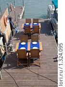 Купить «Кафе на причале», фото № 1324095, снято 17 мая 2009 г. (c) Parmenov Pavel / Фотобанк Лори