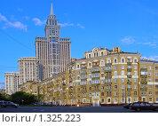 """Купить «Высотное здание """"Триумф-Палас"""" около метро """"Сокол"""". Москва», эксклюзивное фото № 1325223, снято 19 июня 2008 г. (c) lana1501 / Фотобанк Лори"""