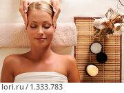 Купить «Релаксационный массаж в спа-салоне», фото № 1333783, снято 29 октября 2009 г. (c) Валуа Виталий / Фотобанк Лори