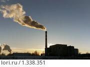 Мусоросжигательный завод на закате. Стоковое фото, фотограф Артур (Мangalor) / Фотобанк Лори