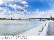 Купить «Ленинградский мост в Омске через реку Иртыш», фото № 1341723, снято 29 августа 2009 г. (c) Валерий Лифонтов / Фотобанк Лори
