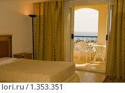 Купить «Интерьер номера с балконом и видом на море в отеле Tropicana Grand Oasis Resort, Шарм-эль-Шейх, Египет», фото № 1353351, снято 3 декабря 2009 г. (c) Сергей Плюснин / Фотобанк Лори