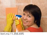 Эмоции. Озверевшая домохозяйка. Стоковое фото, фотограф Kribli-Krabli / Фотобанк Лори