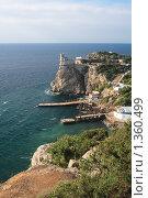 Купить «Ласточкино гнездо, Крым», фото № 1360499, снято 8 августа 2007 г. (c) Донцов Евгений Викторович / Фотобанк Лори