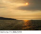 Купить «Дым над водой», фото № 1366519, снято 4 сентября 2007 г. (c) Andrey M / Фотобанк Лори