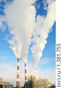 Купить «Дымящие трубы электростанции», фото № 1381755, снято 13 января 2010 г. (c) Дмитрий Калиновский / Фотобанк Лори