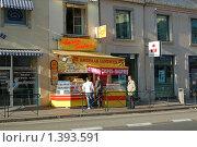 Купить «Уличная закусочная в центре - Лион», фото № 1393591, снято 22 сентября 2008 г. (c) Александр Гончаров / Фотобанк Лори