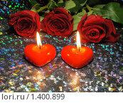 Купить «Два красных сердца», эксклюзивное фото № 1400899, снято 19 января 2010 г. (c) Blekcat / Фотобанк Лори