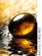 Купить «Спа камень с капельками воды», фото № 1402463, снято 7 августа 2008 г. (c) Andrejs Pidjass / Фотобанк Лори