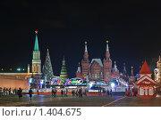Купить «Исторический музей. Башни Кремля и каток», эксклюзивное фото № 1404675, снято 28 декабря 2009 г. (c) Алёшина Оксана / Фотобанк Лори