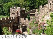 Купить «Внутренний двор старого замка», фото № 1413679, снято 4 июля 2009 г. (c) Петр Кириллов / Фотобанк Лори