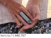 Кисть руки с каменным пальцем. Стоковое фото, фотограф Сандалов Максим / Фотобанк Лори