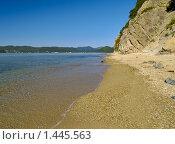 Купить «Морской берег», фото № 1445563, снято 2 сентября 2009 г. (c) Олег Рубик / Фотобанк Лори