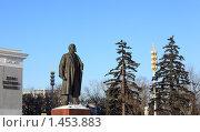 Купить «Памятник Ленину. ВВЦ», эксклюзивное фото № 1453883, снято 6 февраля 2010 г. (c) ФЕДЛОГ / Фотобанк Лори