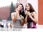 Купить «Мыльные пузыри», фото № 1454631, снято 14 сентября 2009 г. (c) Андрей Аркуша / Фотобанк Лори