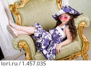 Девочка в розовых очках. Стоковое фото, фотограф Владимир Сурков / Фотобанк Лори