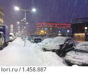 Снег на Тульской. Москва. (2009 год). Редакционное фото, фотограф Елена Колтыгина / Фотобанк Лори