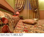 Купить «Интерьер спальни в классическом стиле», фото № 1483327, снято 3 января 2010 г. (c) Алексей Пантелеев / Фотобанк Лори
