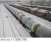 Купить «Железнодорожные цистерны. Фрагмент», эксклюзивное фото № 1508795, снято 17 февраля 2010 г. (c) Алёшина Оксана / Фотобанк Лори