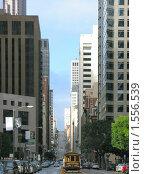 Купить «Улица, окруженная небоскребами в Сан-Франциско», фото № 1556539, снято 2 февраля 2008 г. (c) Валентина Троль / Фотобанк Лори
