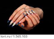 Купить «Акриловые ногти», фото № 1565103, снято 29 декабря 2009 г. (c) Константин Степаненко / Фотобанк Лори