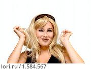 Купить «Блондинка с темными очками», фото № 1584567, снято 22 июля 2018 г. (c) Яна Гуляновская / Фотобанк Лори