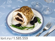 Купить «Рулет из курицы с черносливом», эксклюзивное фото № 1585559, снято 19 марта 2010 г. (c) Лисовская Наталья / Фотобанк Лори