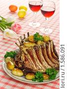 Купить «Корона из баранины с картофелем», эксклюзивное фото № 1586091, снято 26 марта 2010 г. (c) Лисовская Наталья / Фотобанк Лори
