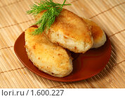 Купить «Картофельные зразы с мясом и грибами», фото № 1600227, снято 7 августа 2009 г. (c) ElenArt / Фотобанк Лори